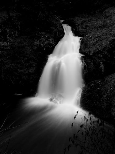 sitting-lady-falls-by-guas-via-flickr.jpg