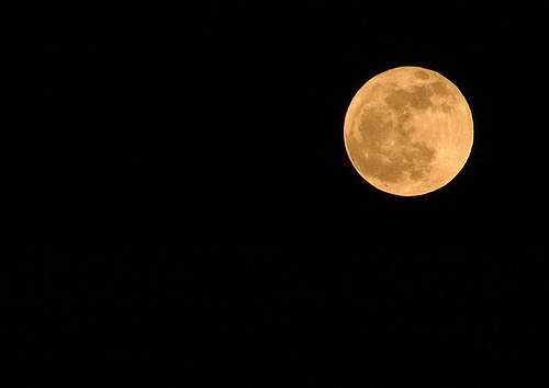 amber-moon-by-il-paolino-via-flickr.jpg